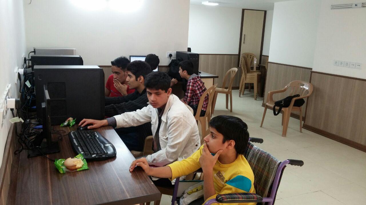 کلاس کامپیوتر-فروغی